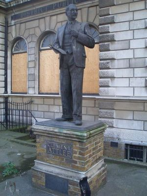 Clement_Attlee_statue_-_Limehouse_library