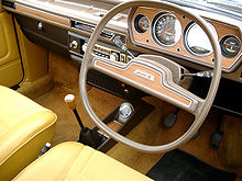 220px-Austin_Allegro_Interior_with_Quartic_steering_wheel