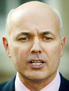 http://conservativehome.blogs.com/photos/uncategorized/duncan_smith_2.jpg